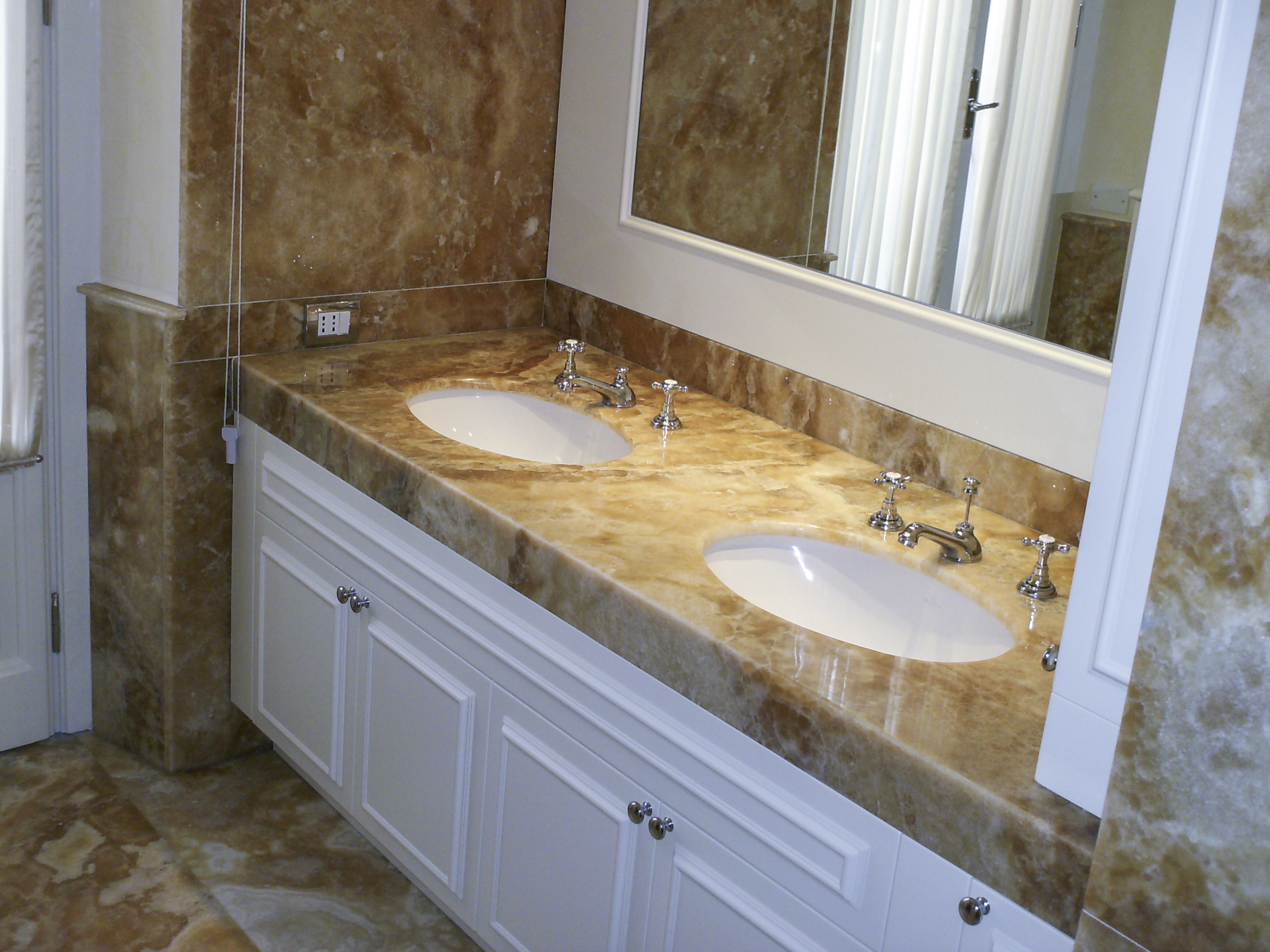 Rivestimenti Bagno Onice : Milgem lavorazione marmi e graniti bagno casa design
