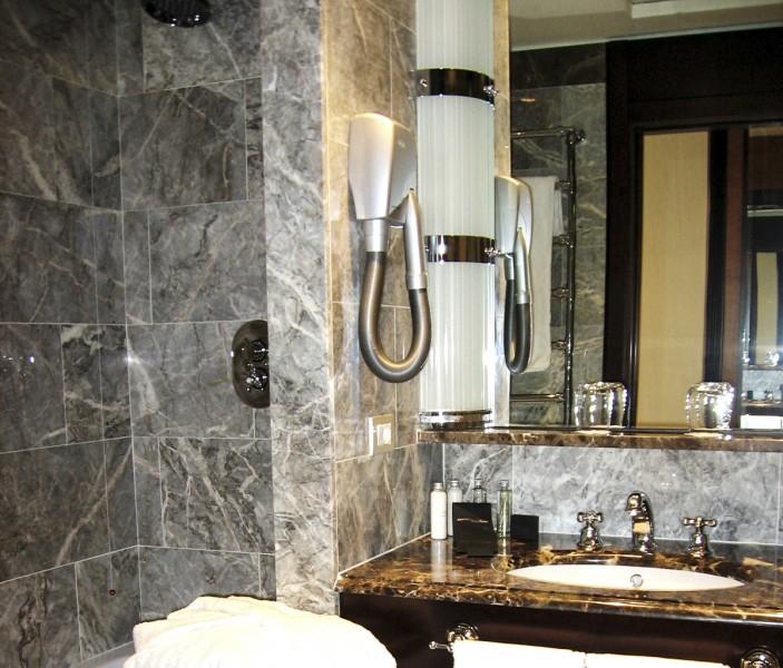 Salle de bains d 39 h tel milgem for Salle de bain hotel